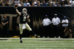 NEW ORLEANS, LA - NOVEMBER 01:  Drew Brees #9 of the New Orleans Saints throws a pass during the third quarter of a game against the New York Giants at the Mercedes-Benz Superdome on November 1, 2015 in New Orleans, Louisiana.  (Photo by Chris Graythen/Getty Images)